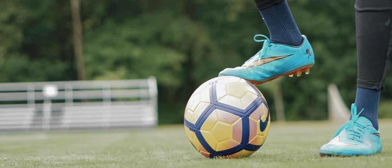 waarop letten voetbalschoenen kopen
