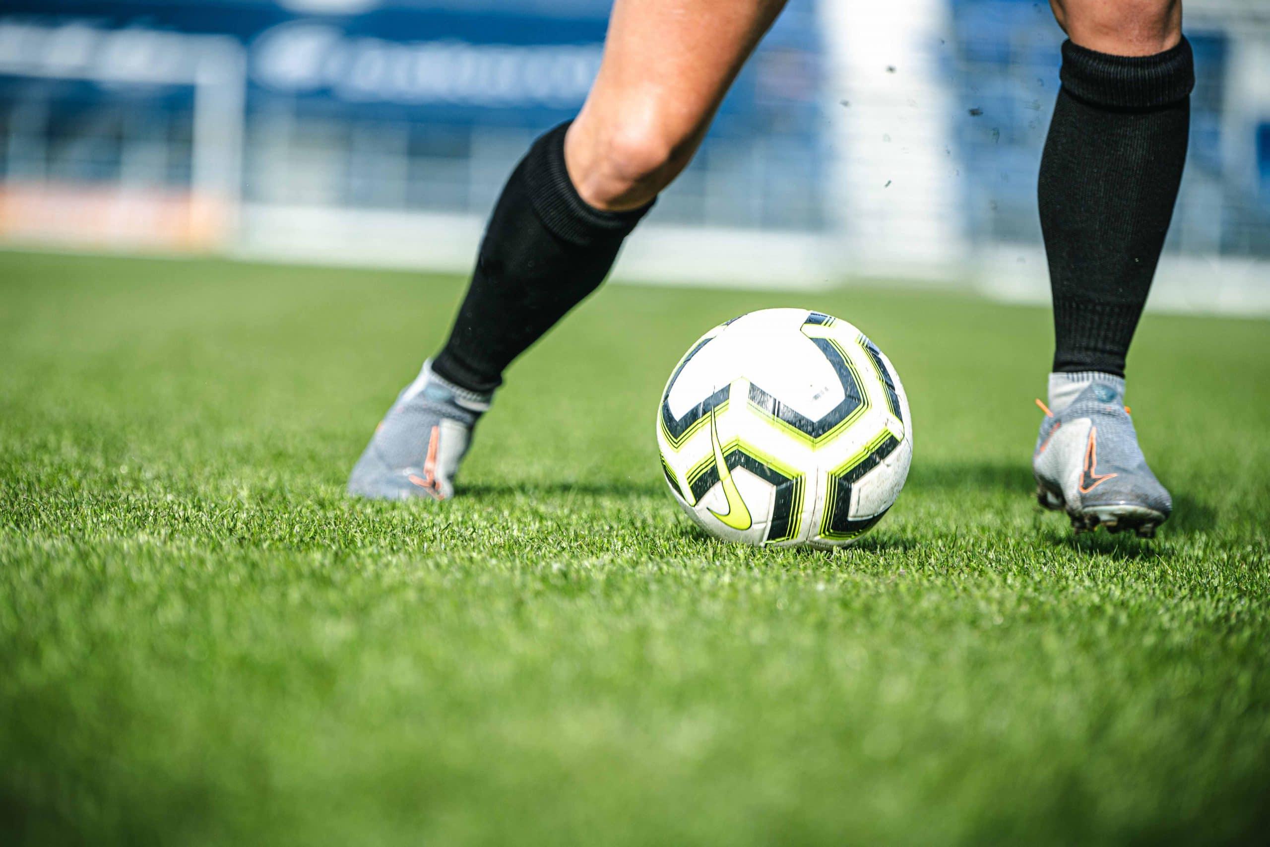 voetbalschoenen kopen aandachtspunten