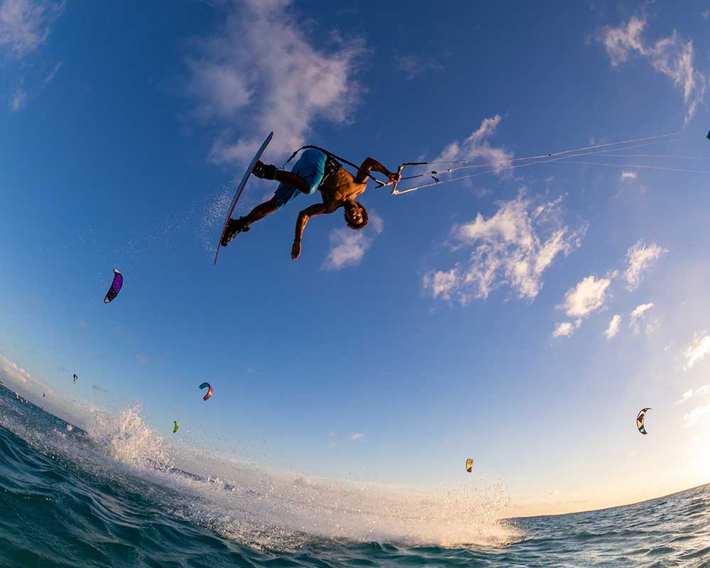 wat is kitesurfen